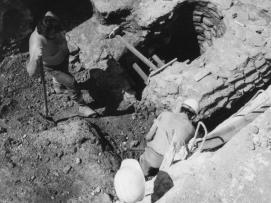 Mise au jour d'une pompe romaine©Isabelle Chadefaux Bagneux