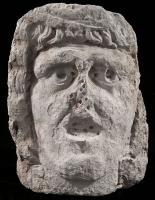 Masque funéraire en pierre / Lugdunum