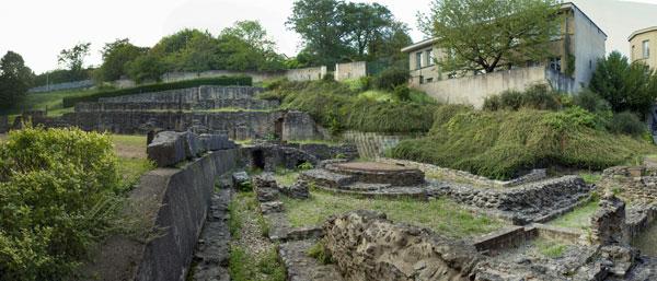 Roman baths  / Lugdunum